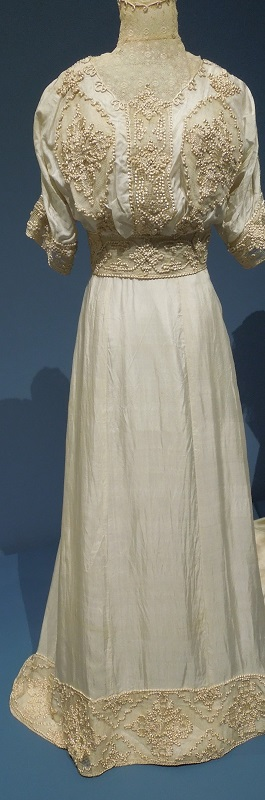 1906-09 wedding dress