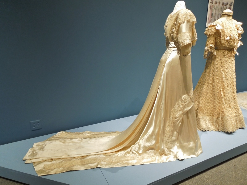 PMH wedding dresses 018 (800x600)