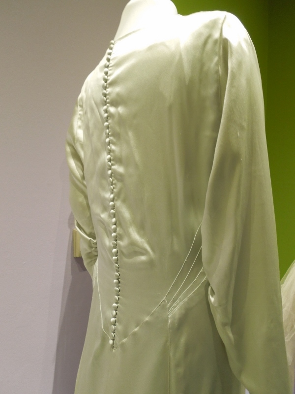 Barbara Cheesewright's wedding gown 002 (600x800)